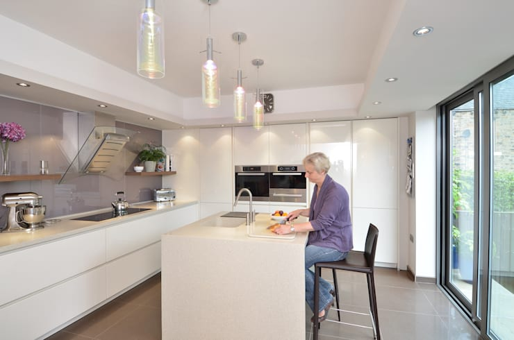 MR & MRS SPELMAN'S KITCHEN:  Kitchen by Diane Berry Kitchens