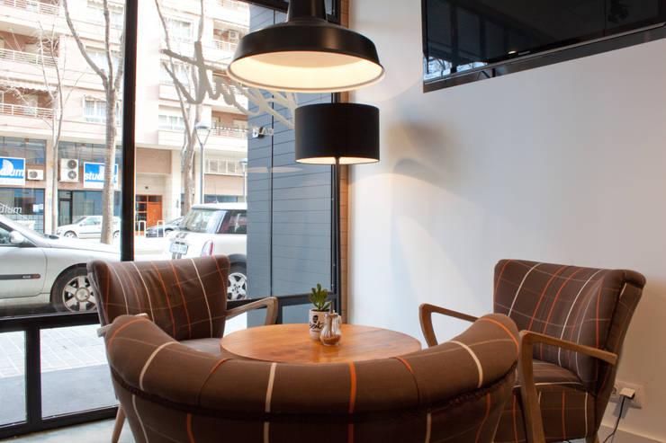 Beat Cafè&Soul. Lleida: Locales gastronómicos de estilo  de ALBERT SALVIA dissenyador d'interiors