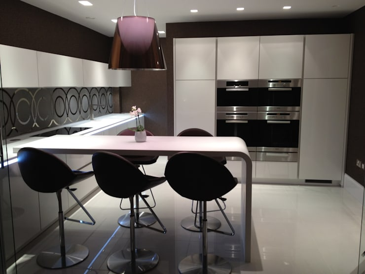 MR & MRS SCOTT'S KITCHEN:  Kitchen by Diane Berry Kitchens