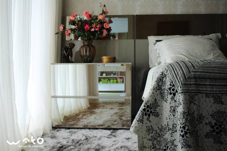 Quarto do Casal: Quartos  por WAKO Design de Interiores,Clássico
