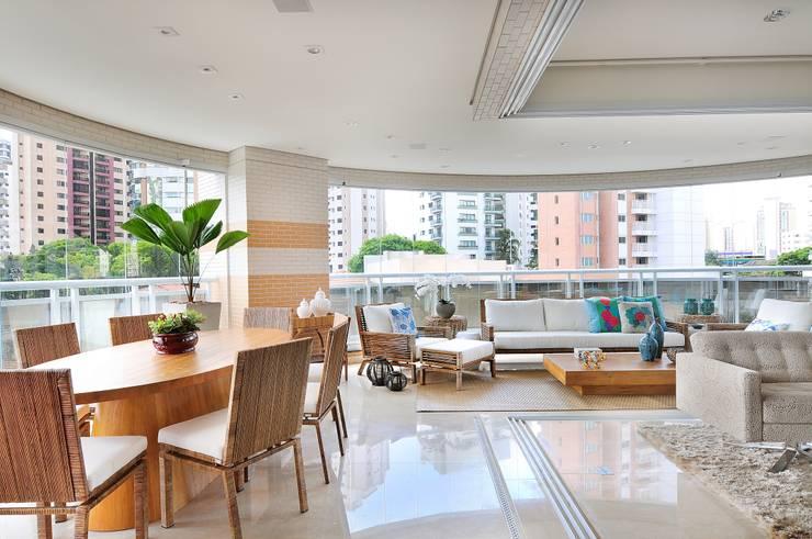 PROJETO IDENTIDADE BRASILEIRA – TERRAÇO GOURMET: Terraços  por Adriana Scartaris: Design e Interiores em São Paulo