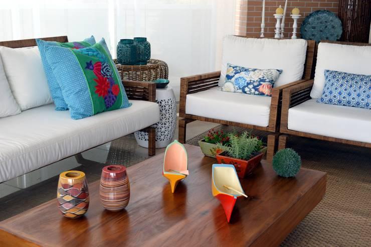 PROJETO IDENTIDADE BRASILEIRA - TERRAÇO GOURMET: Terraços  por Adriana Scartaris design e interiores