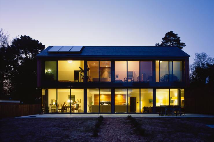 Patalab Architecture: modern tarz Evler
