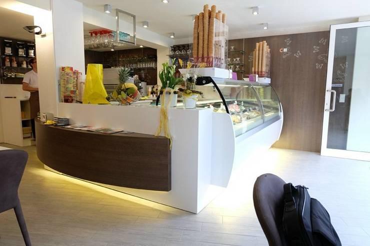 Eis cafe Rialto: Gastronomia in stile  di Masi Interior Design di Masiero Matteo