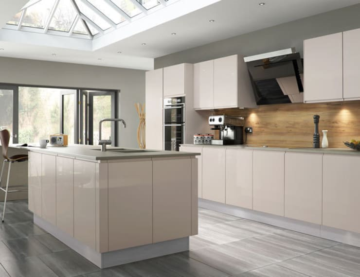 Handleless Kitchens Leicester:  Kitchen by The Leicester Kitchen Co