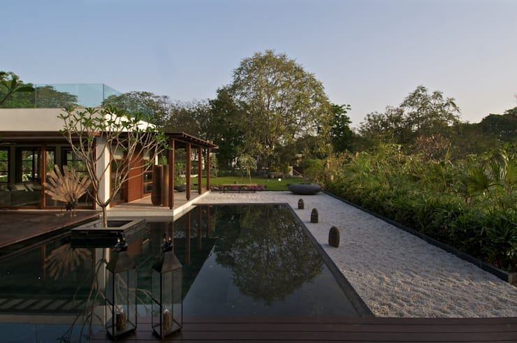 The Courtyard House:   by Hiren Patel Architects