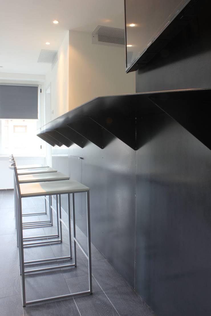 E+V House: Case in stile  di BEARprogetti - Architetto Enrico Bellotti