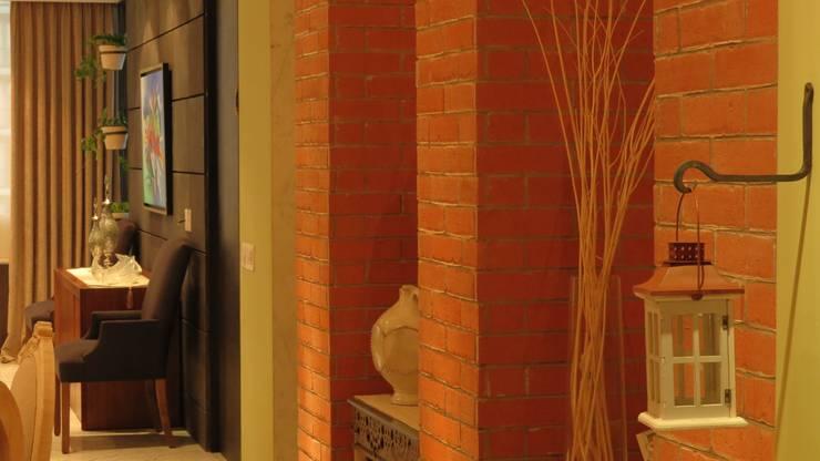 MONÉ 07: Pasillos y recibidores de estilo  por NIVEL TRES ARQUITECTURA