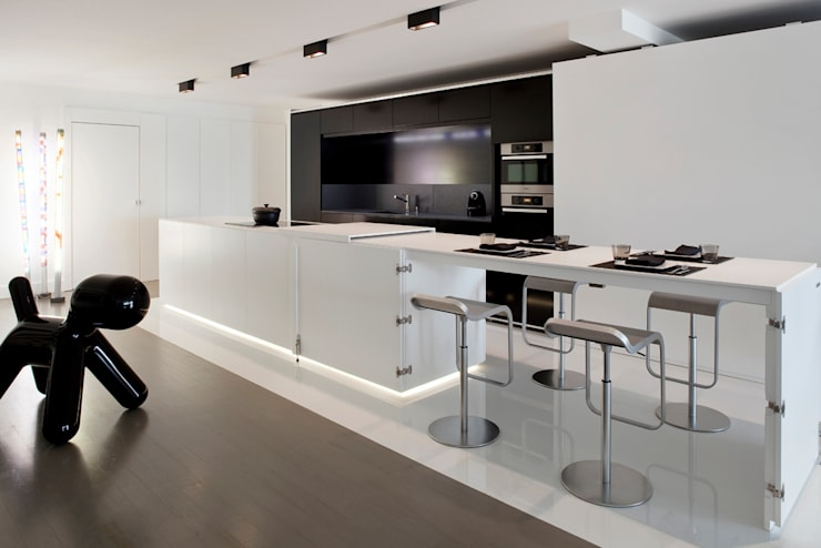 appartement B:  Kitchen by atelier d'architecture Yvann Pluskwa