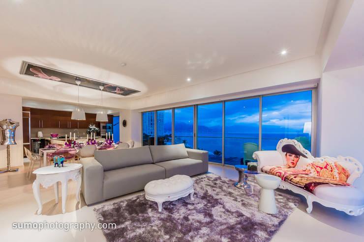 ICON VALLARTA CONDOMINIO TORRE 3 DEPTO 803: Casas de estilo ecléctico por Marusa Albarrán interior Design