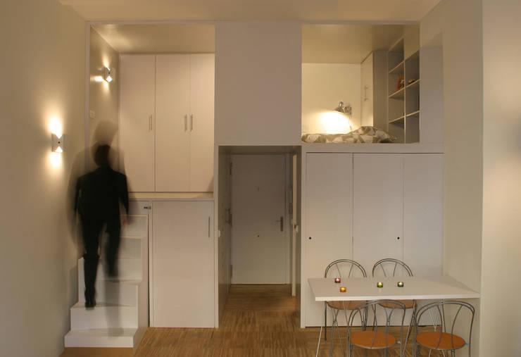 Ruang Makan oleh Beriot, Bernardini arquitectos, Minimalis