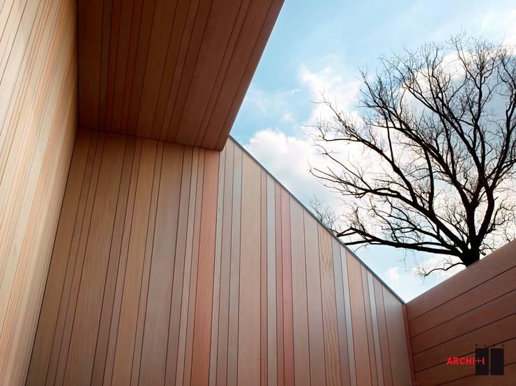 LOGEMENT INDIVIDUEL V. À R.:  de style  par Buro Archi+i