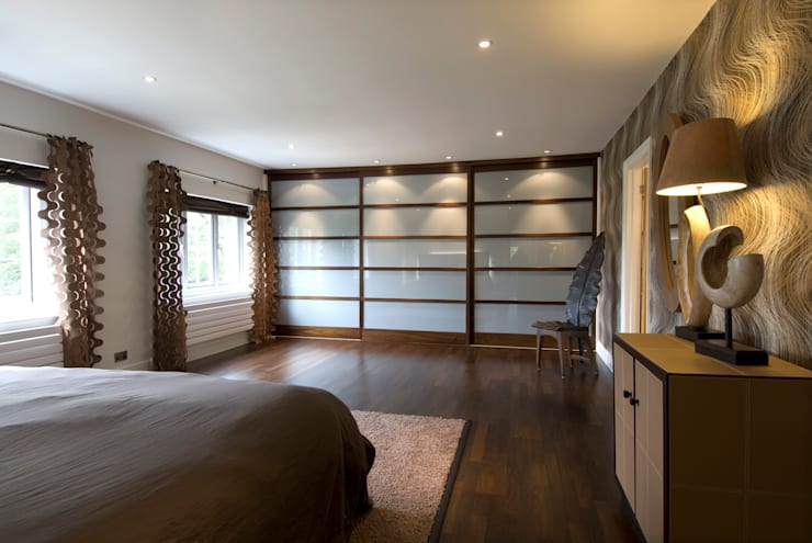 Private Residence, Master Bedroom:  Bedroom by Koubou Interiors,