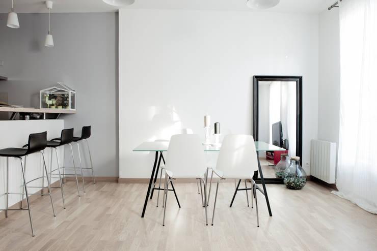 Salones de estilo  de Grazia Architecture