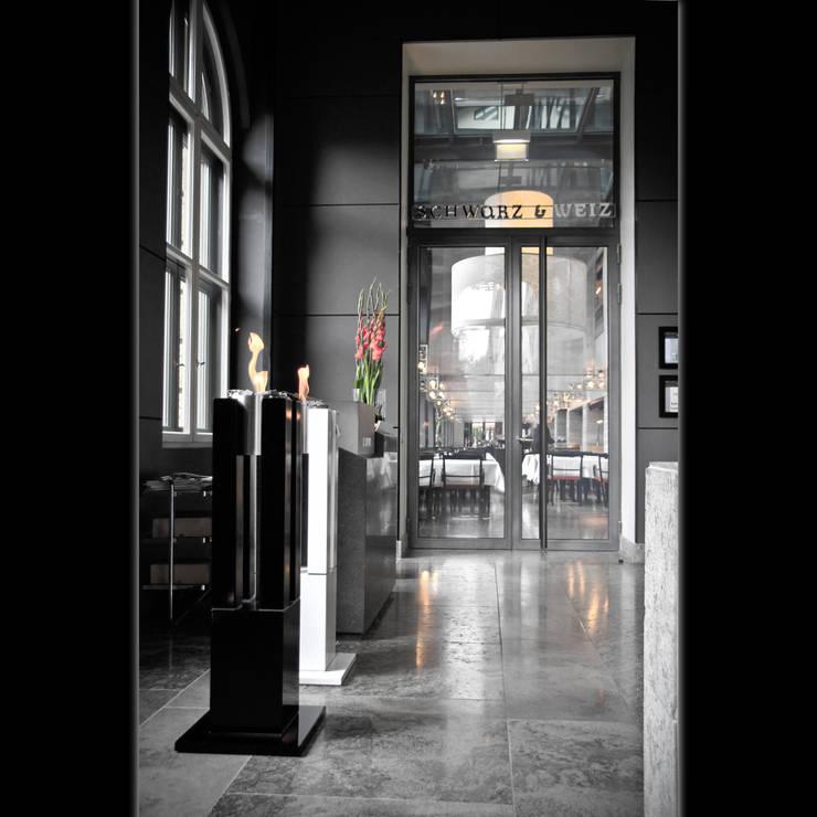 Eingangsbereich Restaurant Luxushotel:  Flur, Diele & Treppenhaus von Cult Fire International Sales GmbH