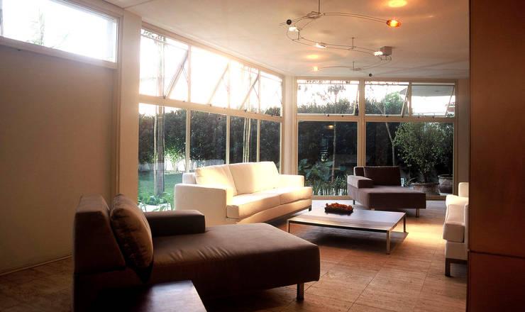 Casa da Piscina : Piscinas  por Betty Birger Arquitetura & Design