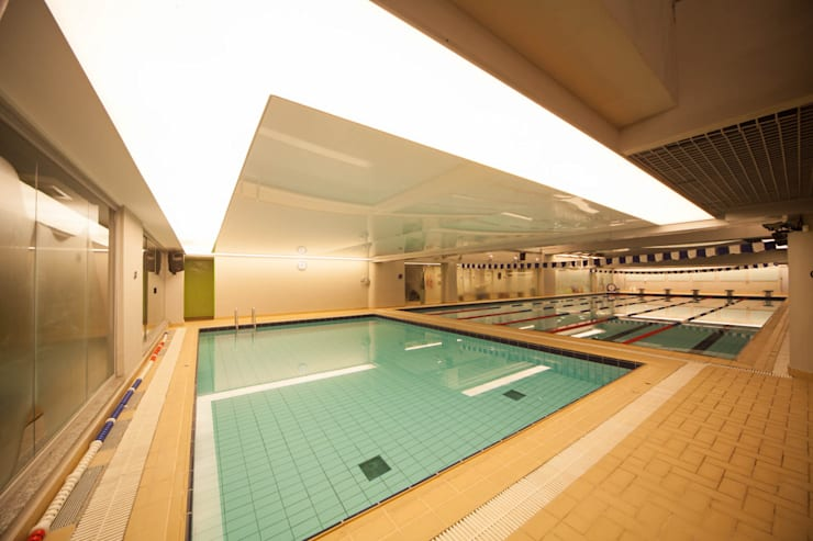 modern Gym by Betty Birger Arquitetura & Design