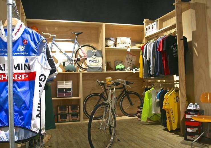 OLTRE+ store  design &  bike:  in stile  di GUPACASANATURALE