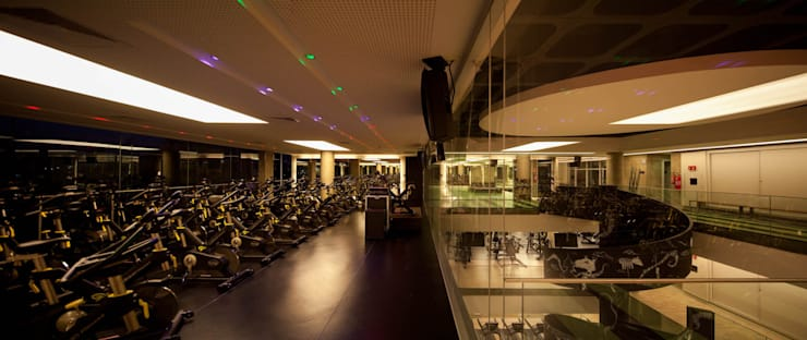 Academia Edge Life Sports: Fitness  por Betty Birger Arquitetura & Design,Moderno