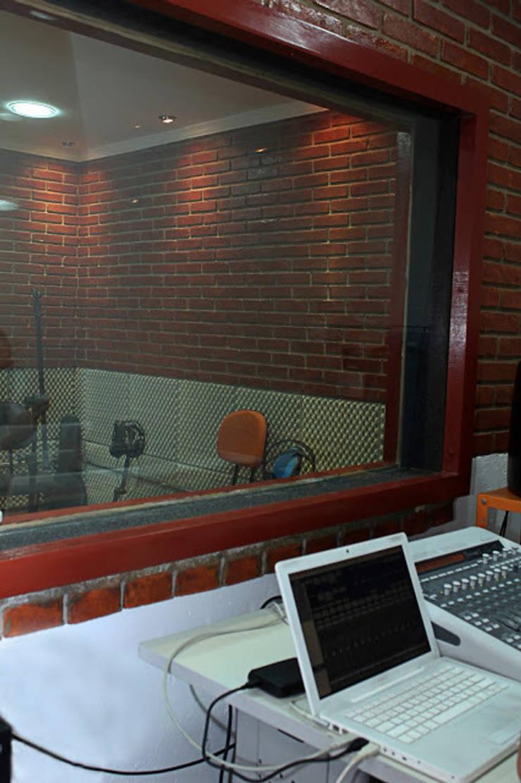 Espaço da Sala Técnica depois de finalizada:   por NR arquitetura interiores
