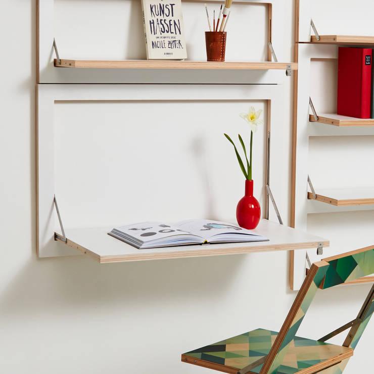 Studio in stile in stile Minimalista di AMBIVALENZ