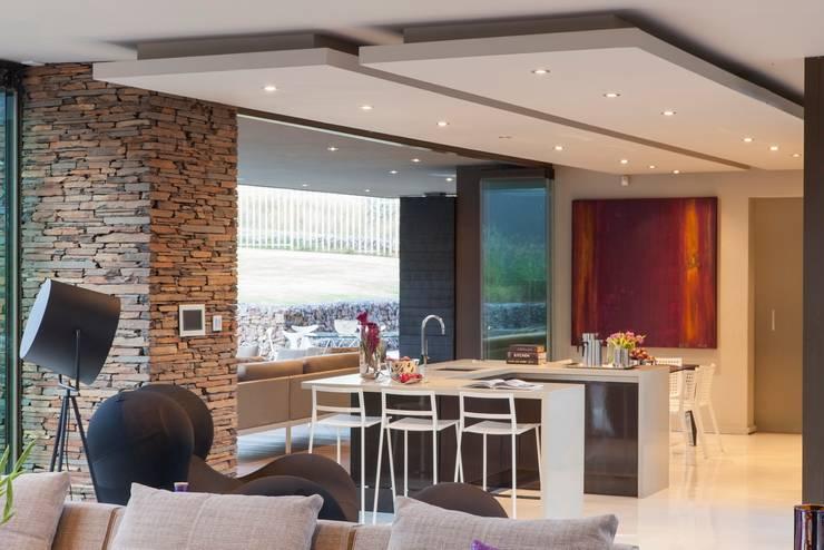 House Duk :  Houses by Nico Van Der Meulen Architects