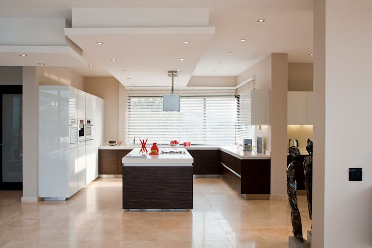 Kitchen by Nico Van Der Meulen Architects
