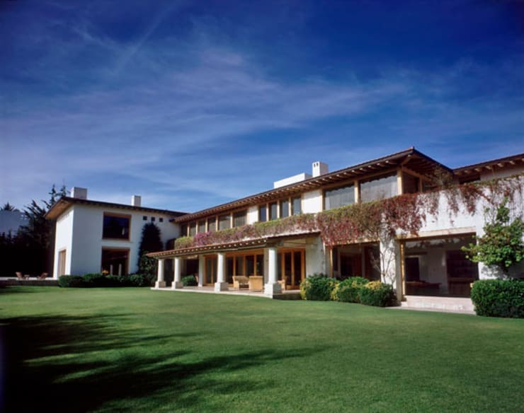 Exterior: Casas de estilo  por JR Arquitectos