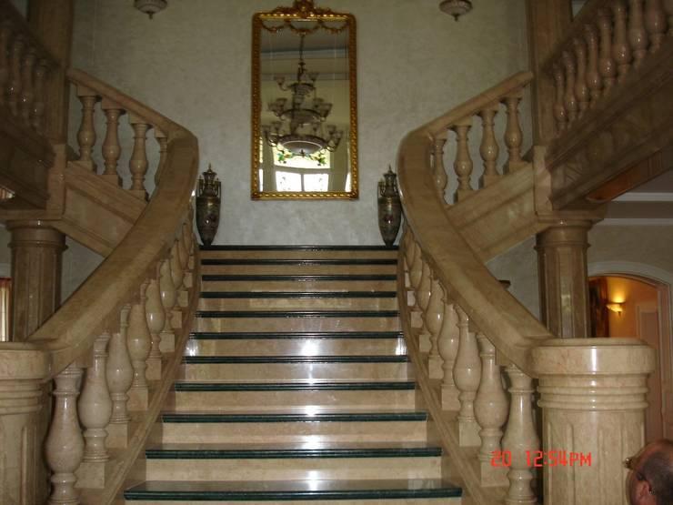 Corridor, hallway & stairs تنفيذ D&L Stonedel
