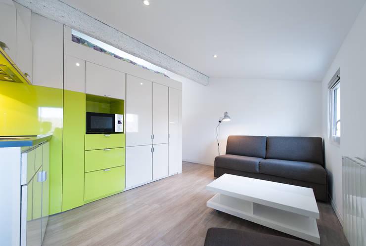 Studio X: Maisons de style  par A.C.O. architectes