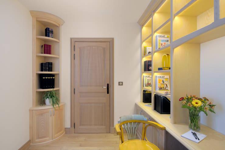 Menthon St Bernard – Atelier Ciel Architecture: Paysagisme d'intérieur de style  par Pierre Augier Photographe