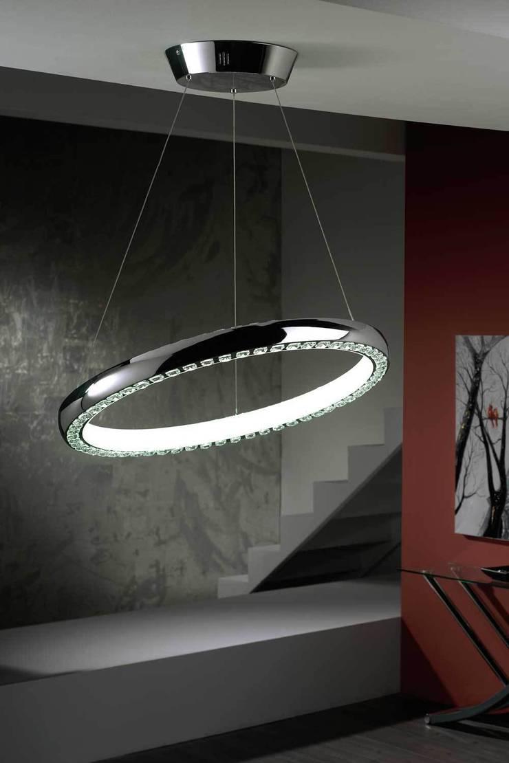 LÁMPARA TECHO CIRCULAR: Salones de estilo  de Muebles Carlos Pastor