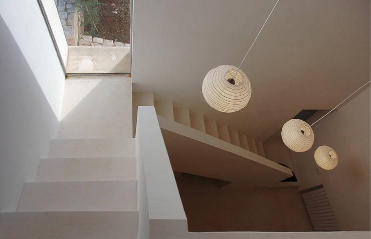 TRULLI (VALLE D'ITRIA, Patrimonio de la Humanidad UNESCO 1996). :  de estilo  de Jofre Roca arquitectes