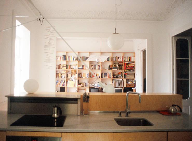 cocina: Cocinas de estilo  de PARRAMON + TAHULL arquitectes