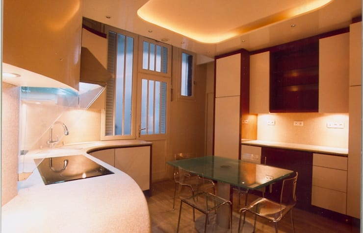 Appartement Charles Floquet: Piscines  de style  par DB design