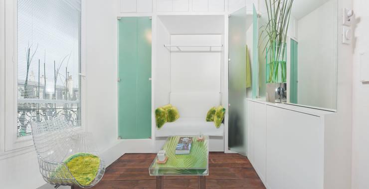 Mini Appartement de 6 m2: Maisons de style  par DB design