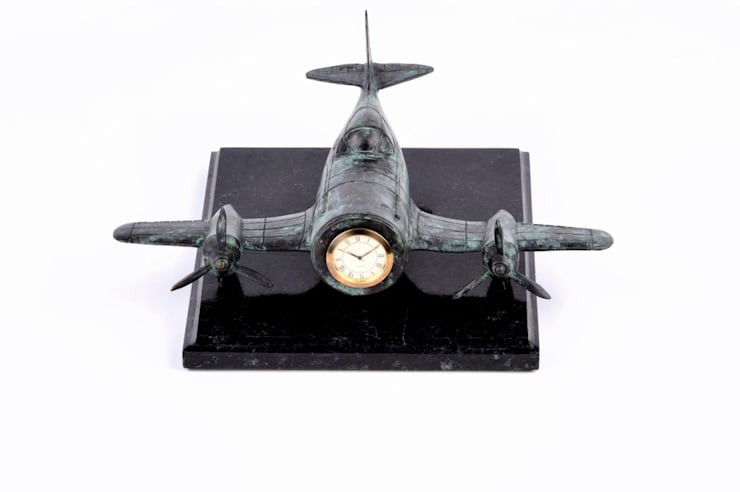 """Tischuhr """" Flugzeug """" by Maitland Smith: klassische Arbeitszimmer von Sweets & Spices Dekoration und Möbel"""