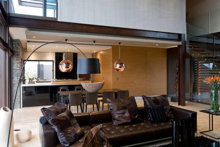 House Serengeti  :  Living room by Nico Van Der Meulen Architects