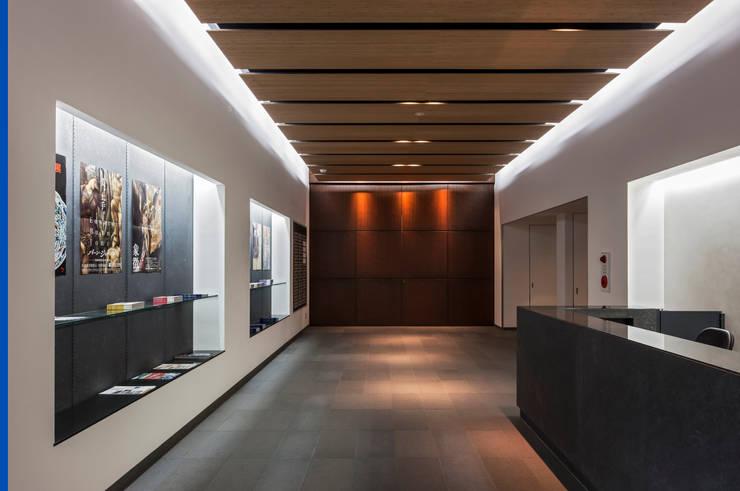 受付ホール: 株式会社古田建築設計事務所が手掛けた美術館・博物館です。
