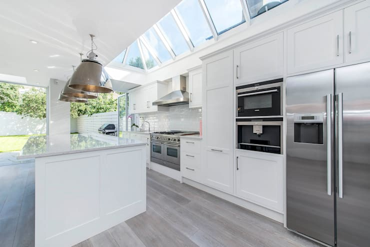 Bishops Park SW6:  Kitchen by CATO creative