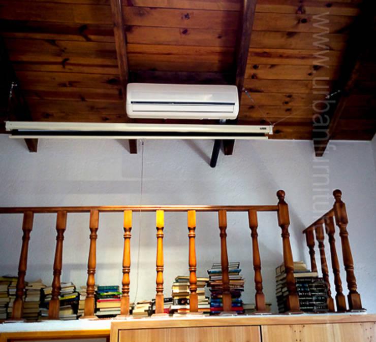 Tapanco URBAN FUNRITURE: Salas de estilo industrial por URBAN FURNITURE