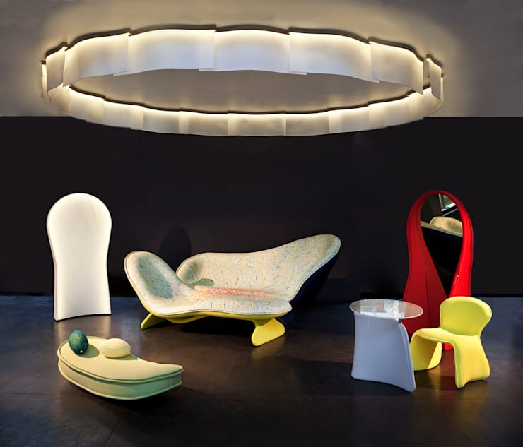 Parades Salon, Luminaire Ring: Salon de style  par MATHILDE BRETILLOT CREATIONS