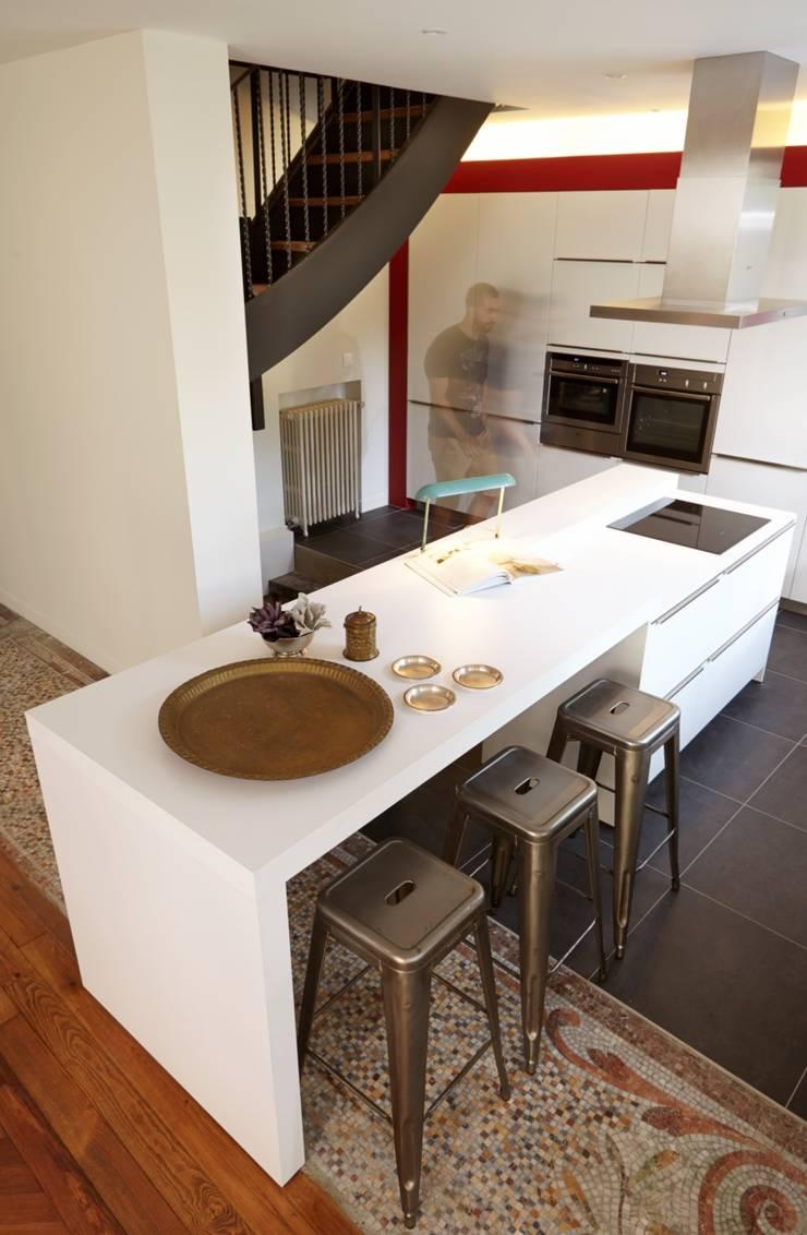 1305 PLUX_cuisine: Maisons de style  par Architecte PLUX
