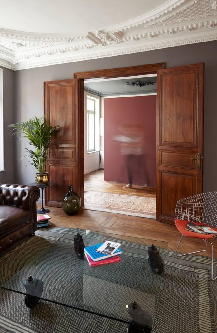 1305 PLUX_petit salon bis: Maisons de style  par Architecte PLUX
