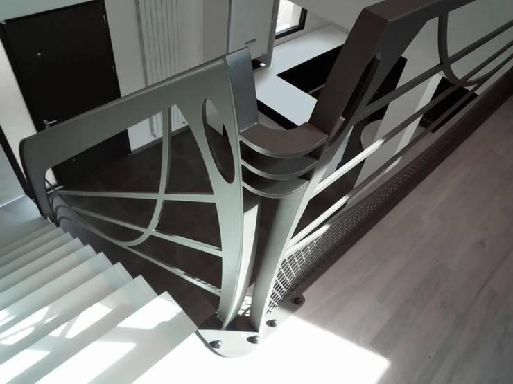 Garde corps design Art Nouveau: Couloir, entrée, escaliers de style de style eclectique par La Stylique