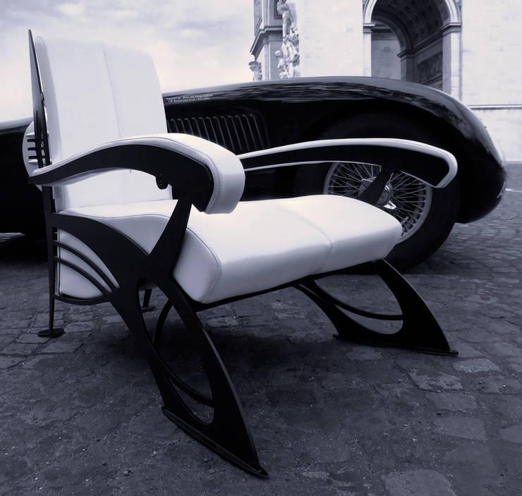 Fauteuil design: Salon de style de style eclectique par La Stylique