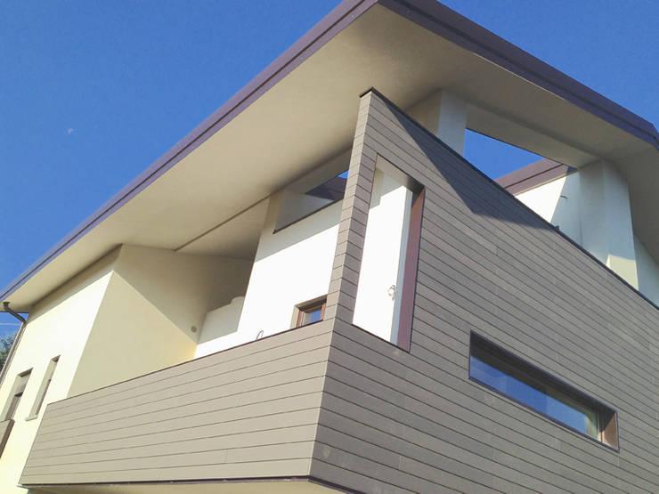 Décowood WPC: Balcone, Veranda & Terrazzo in stile  di Déco