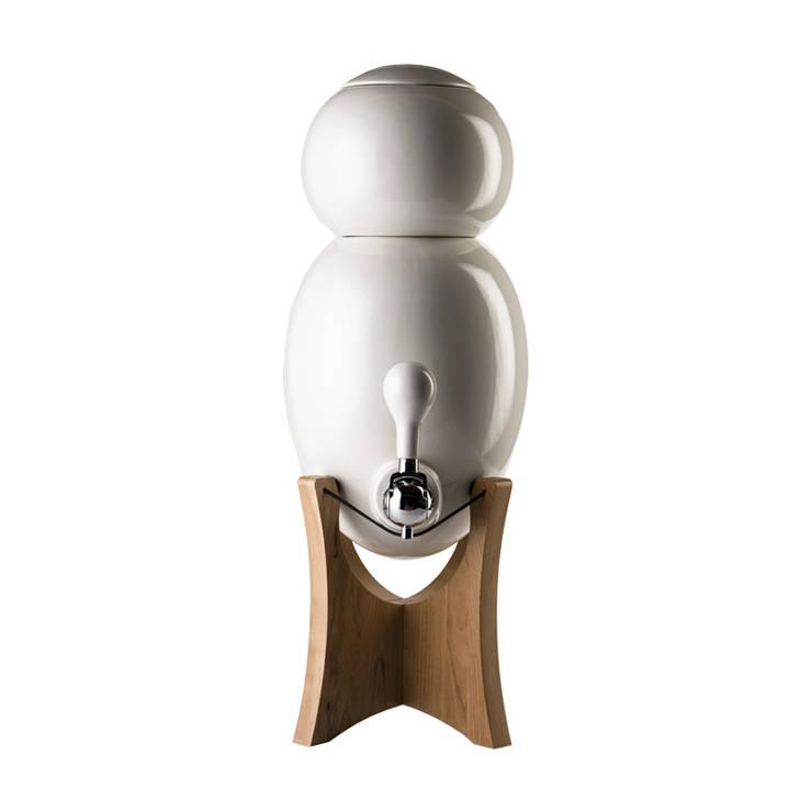 carafe filtrante Aquavo base bois: Spa de style de style Moderne par 1r design