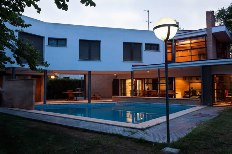 Unifamiliar_Jesaur:  de estilo  de JESAUR  Arquitectura & Urbanismo.