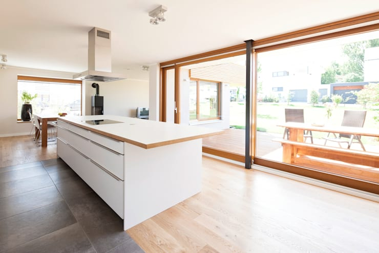 modern Kitchen by in_design architektur